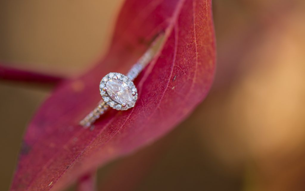 HOW TO DRESS FOR AN ENGAGEMENT SESSION