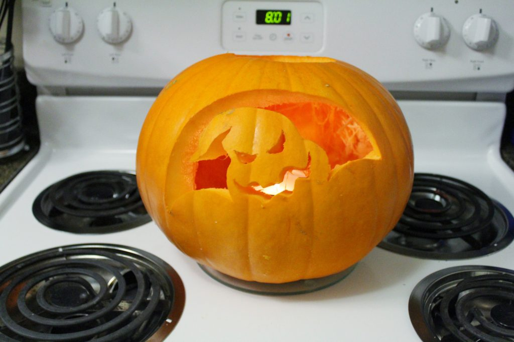 HOW TO CARVE PUMPKINS LIKE A PRO // BLONDEANDAMBITIOUSBLOG.COM