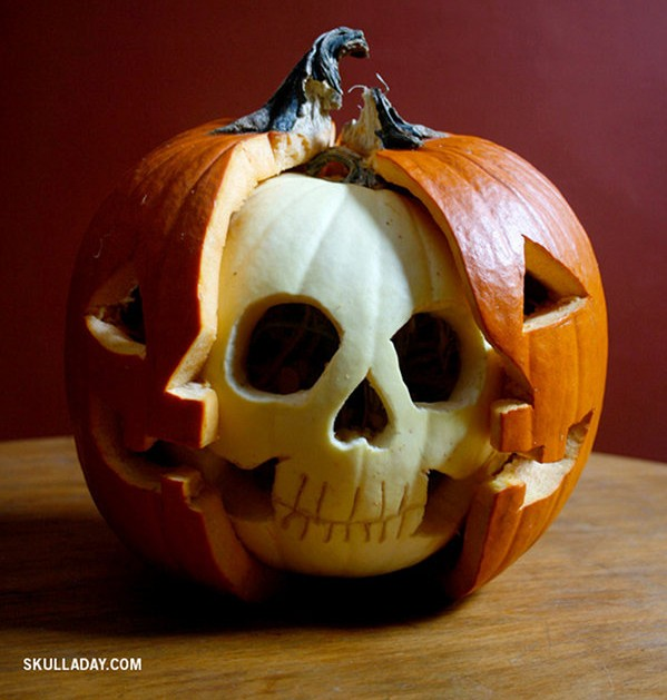 8 WAYS TO DECORATE WITH PUMPKINS