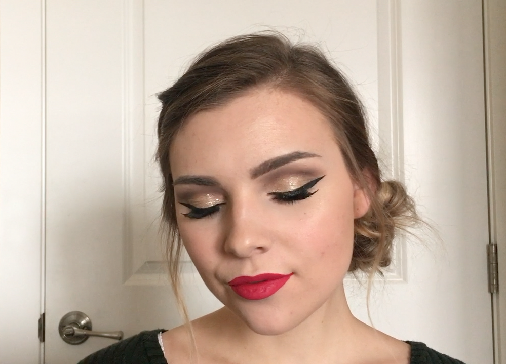 SPARKLY HOLIDAY CUT CREASE