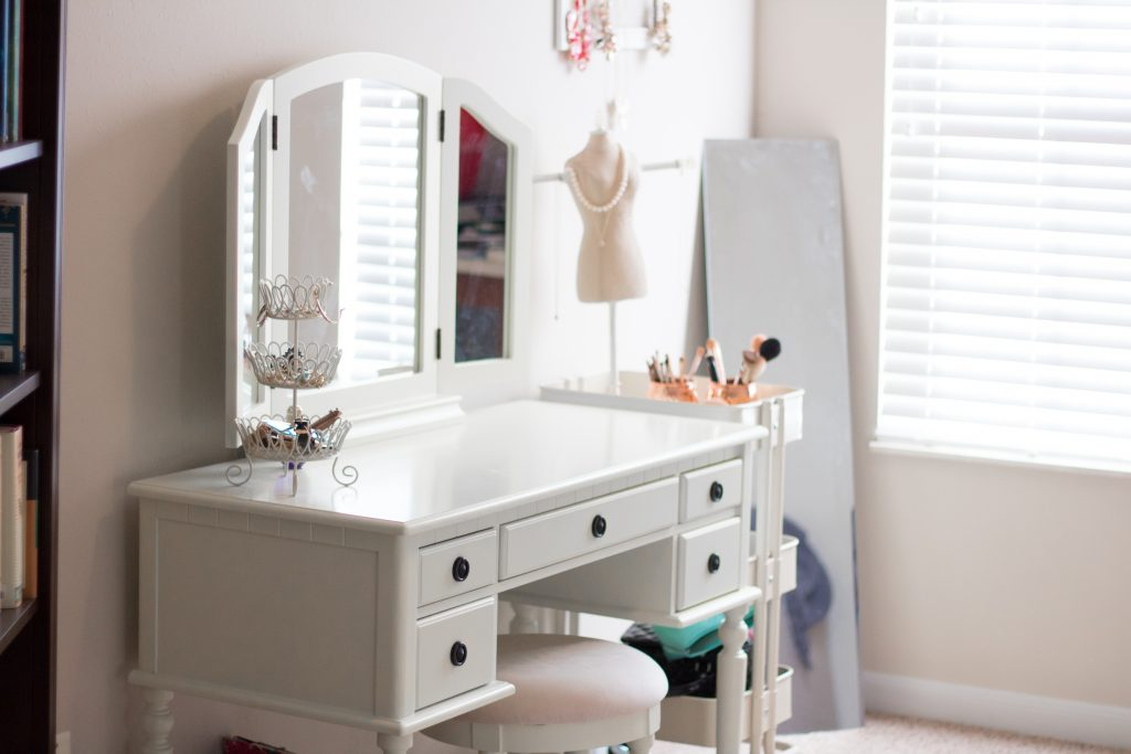 Home Tour: Makeup Room