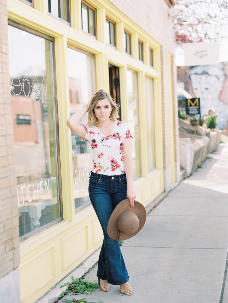 How To Wear Flare Leg Jeans