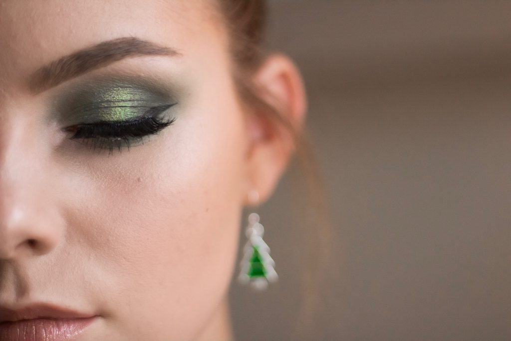 Christmas Tree Holiday Makeup Tutorial