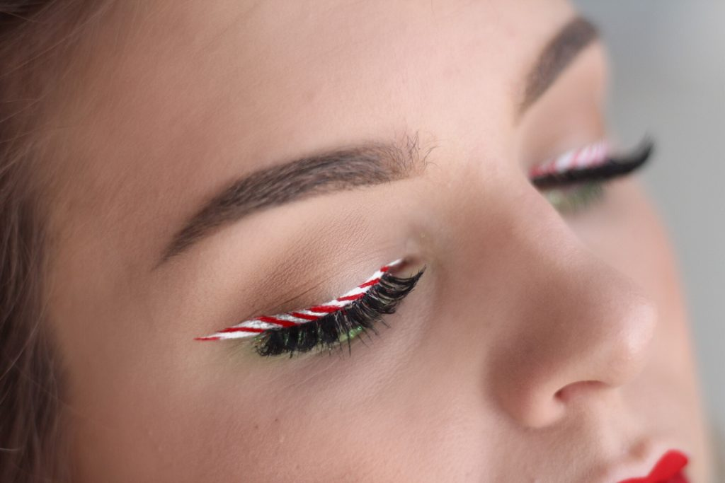 Candy Cane Eyeliner + 2017 Makeup Favorites Video