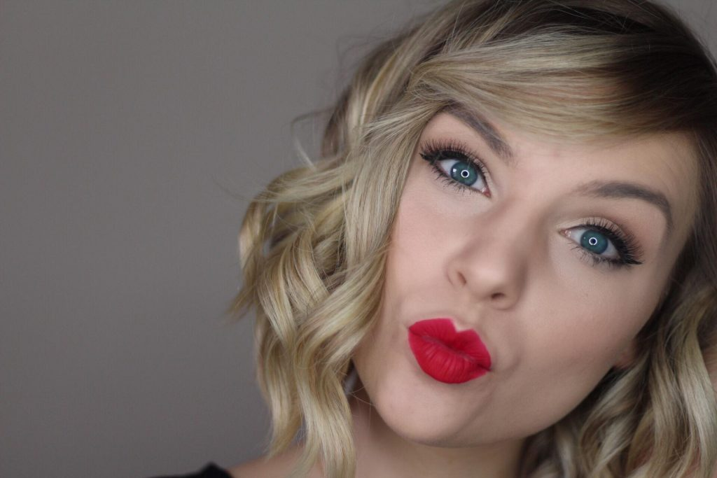 Taylor Swift Celebrity Look A Like Makeup Tutorial