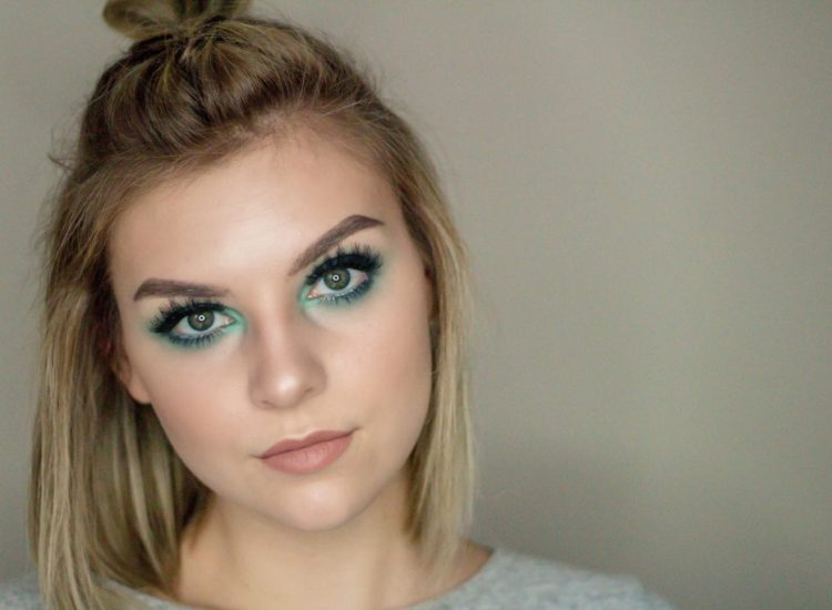 Teal / Navy Smokey Eyeshadow Tutorial