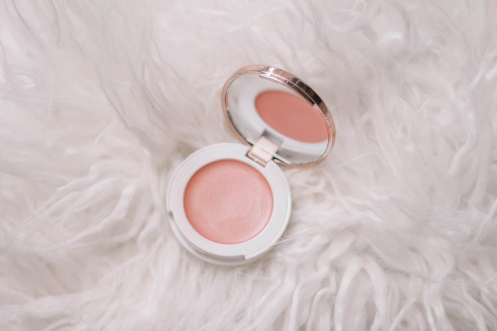 10 MUST-HAVE Products For Dewy Skin + Dewy Skin Tutorial