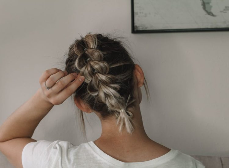 The SUPER EASY Pull-Through Braid For SHORT HAIR!