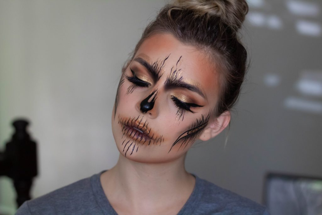 HALLOWEEN TUTORIAL SERIES: GLAM AUTUMN SKULL