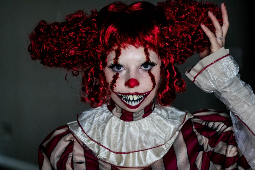 HALLOWEEN TUTORIAL SERIES: SHE PENNYWISE