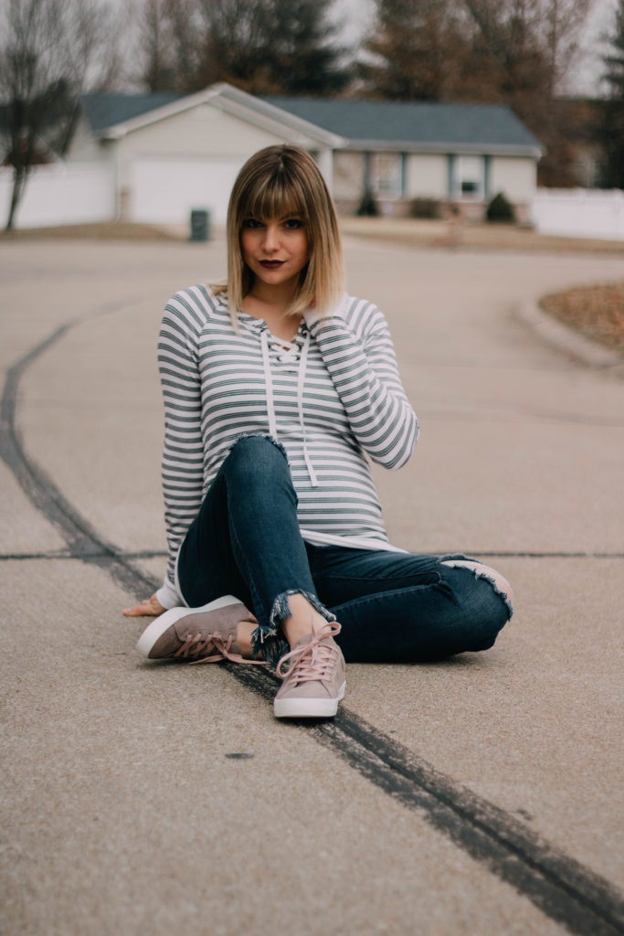 Relaxed Street Style: Long Sleeved Tee + Tennis Shoes