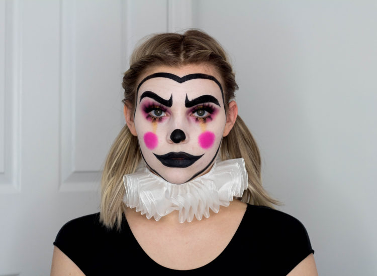 BLONDE & SUSPICIOUS #TAYLOWEEN: MIME CLOWN