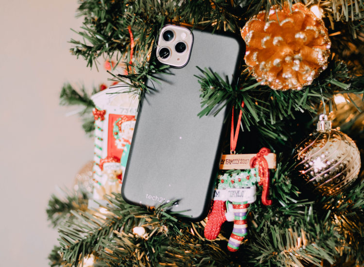 Protecting Your Phone This Holiday Season with Tech21!